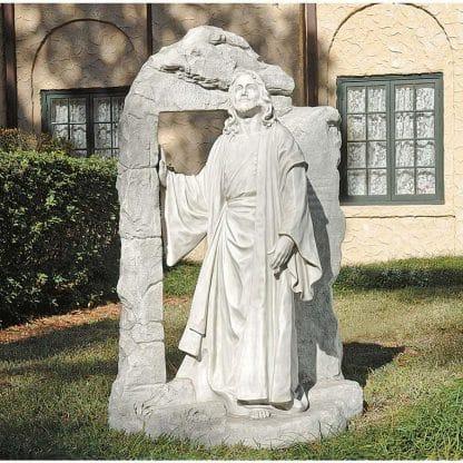 Risen Jesus Christ sculpture